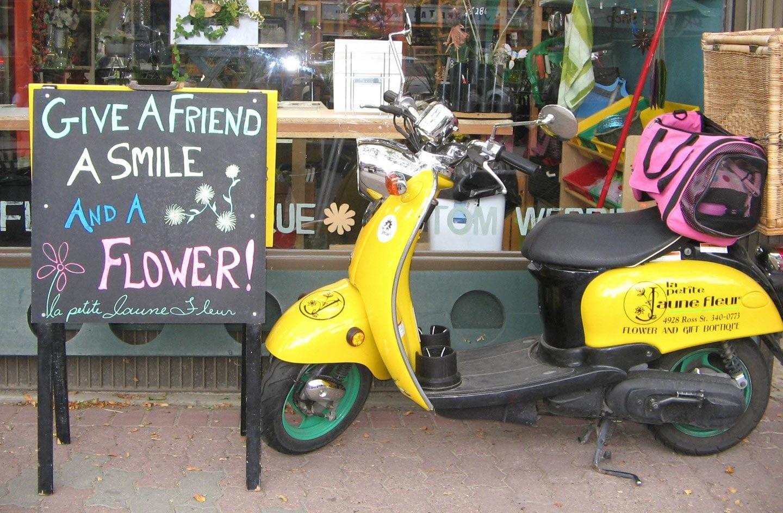 La Petite Jaune Fleur Scooter Flowers Storefront